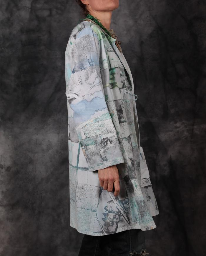 collarless abstract print green on white kaftan