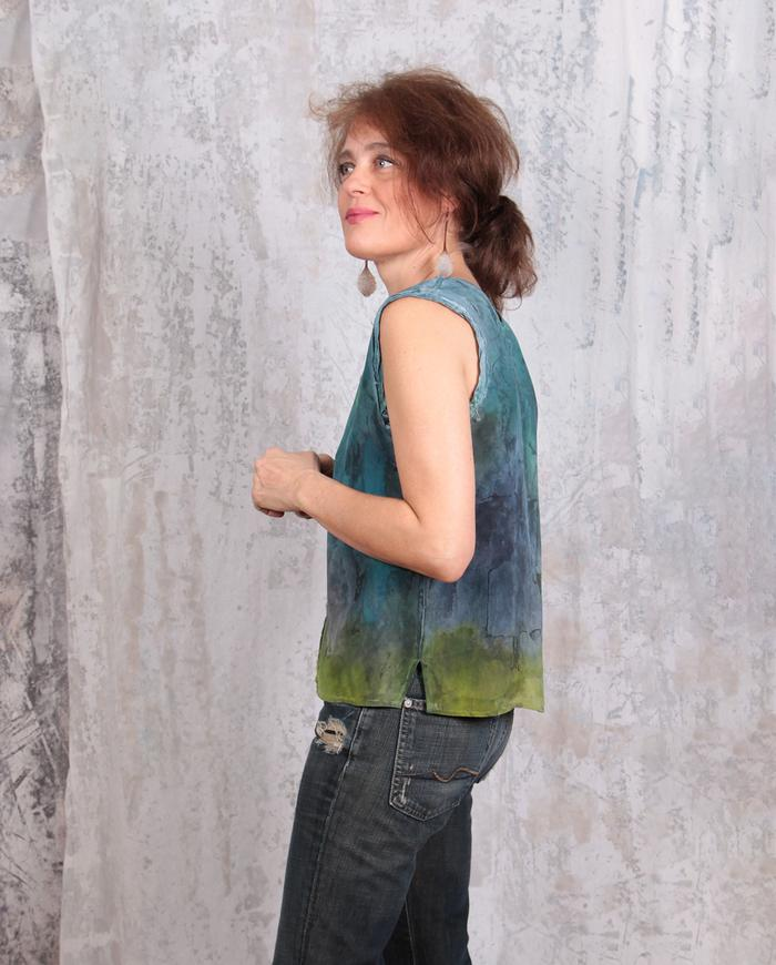 4-ply crepe distressed v-neck tank top