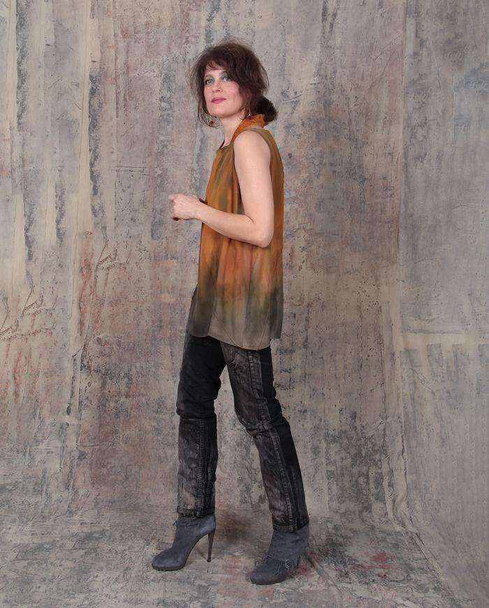 ombre 'fire-and-earth' tank top with a collar