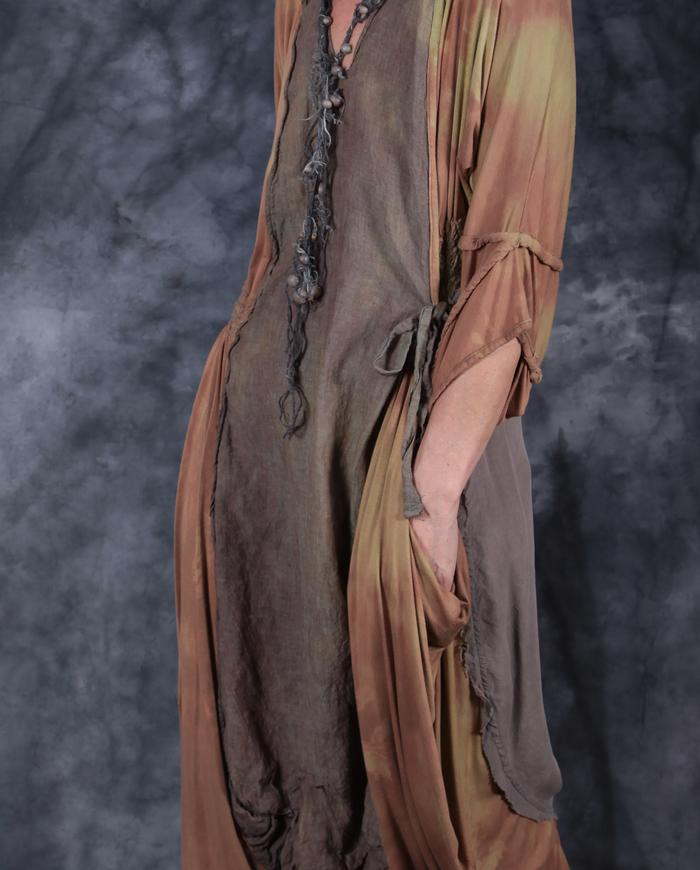 'lost in pockets' sculptural draping dress