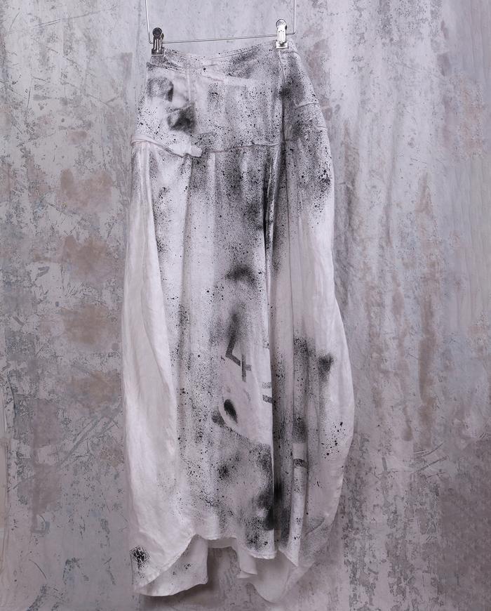 draping hand-printed black and white lagenlook linen skirt