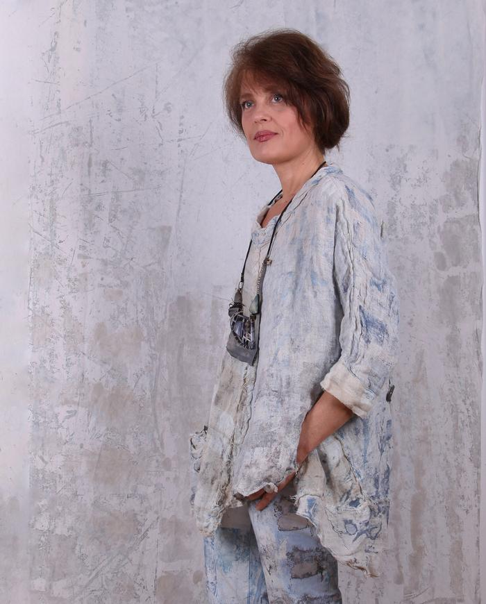 linen gauze hand-painted loose top with back button closure