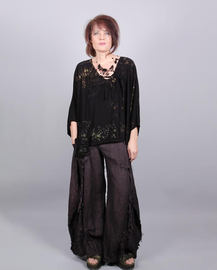 'oh no you don't' one size soft drapey black top