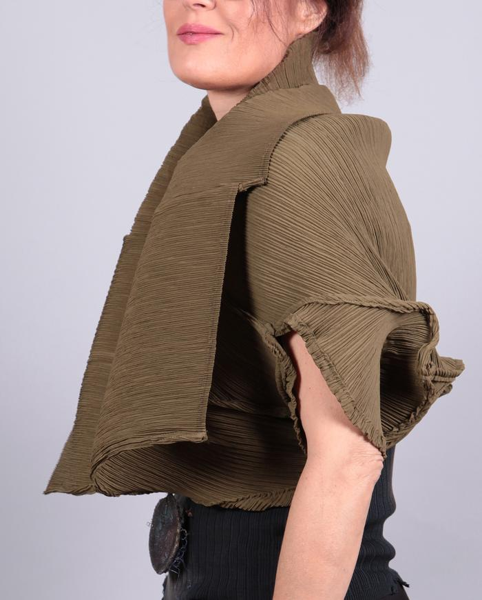 'shrug it off' pleated stretchy reversible shrug