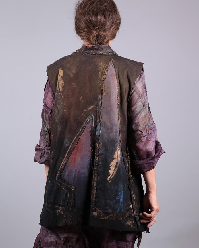 'down is up' reversible detailed vest with feathers print