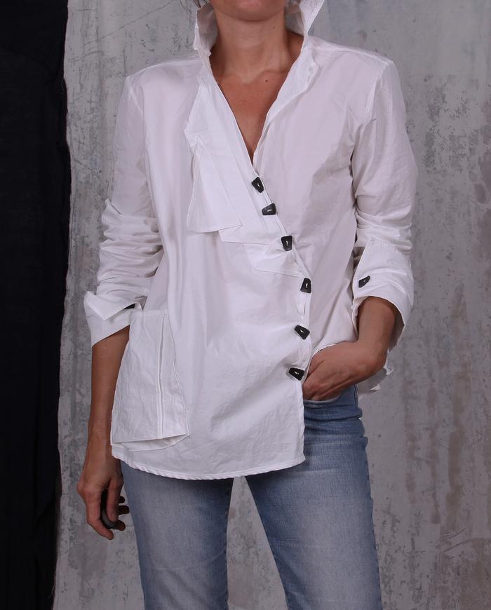 crisp 'crinkle-uncrinkle' Egyptian cotton white shirt or jacket
